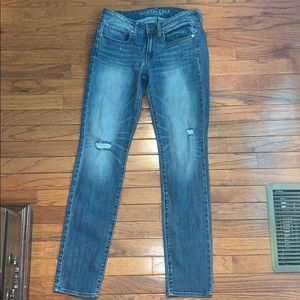 American Eagle Mid-Wash Jeans Size 6